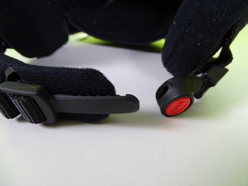 Uvex-p1us-Verschluss-und-Kinnpolster